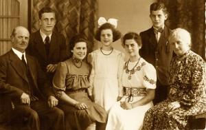 Vater Emil, Fritz, Anneliese, Lucia (Martins Mutter), Hedwig, Herrmann und Mutter Anna